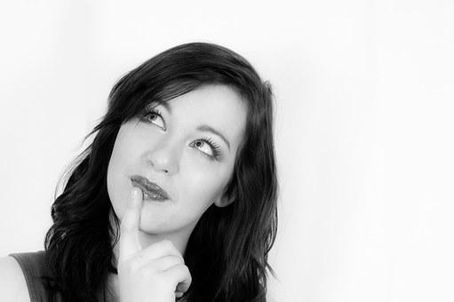 Cei 10 NU STIU de înfrumusetare pe care îi au majoritatea femeilor